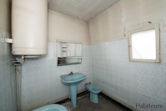avant la rénovation d'une salle de bains